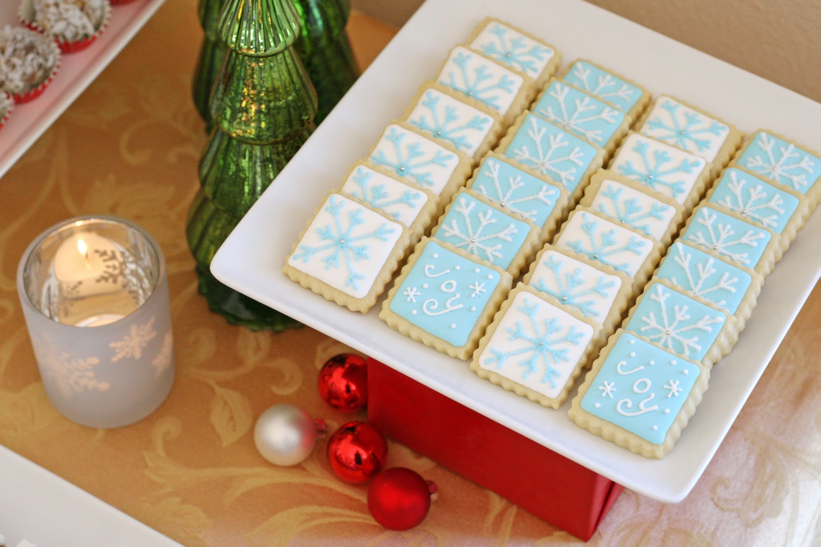 this Holiday Shortbread Cookies Recipe . Christmas Cookies Decorated ...