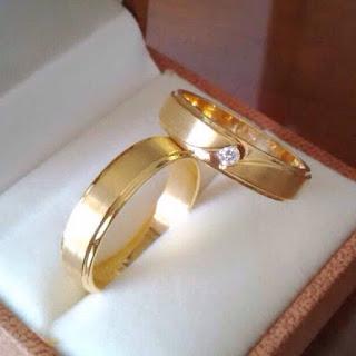 pesan cincin kawin