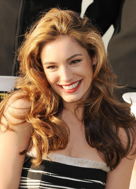 kelly brook hd wallpaper