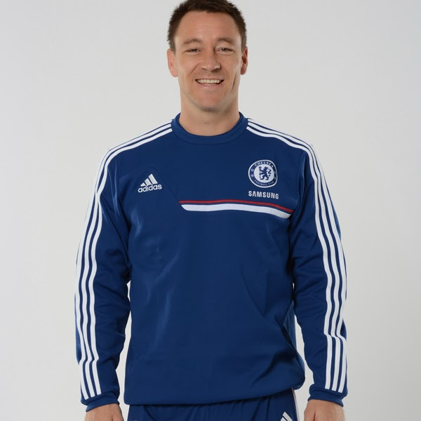 Sweater Training Chelsea Biru