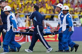 Nicolás Burdisso sufre rotura de ligamentos cruzados