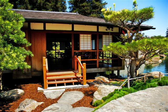 Traditional Japanese House Design | House Designs