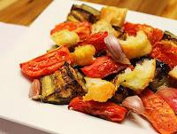 Salada Mediterrânea ao Forno (vegana)