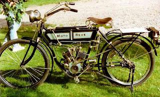 1912+300_cc_HT_Moto-Reve.jpg