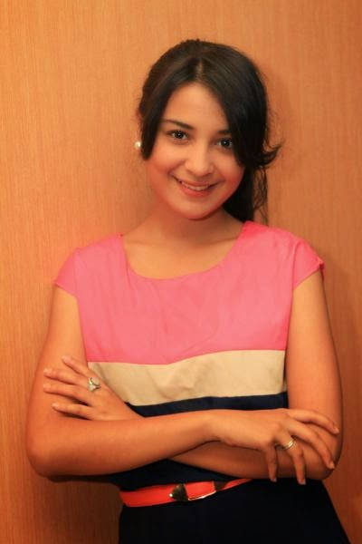 Shireen Sungkar picture
