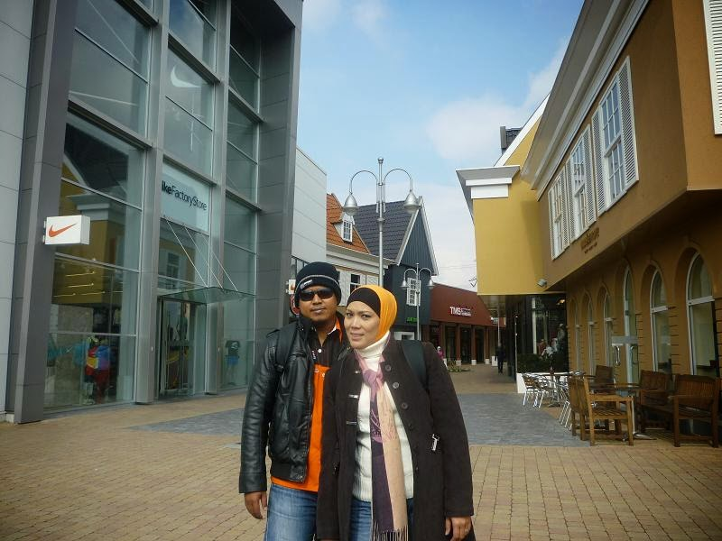 factory outlet, automium, belgium, brussels