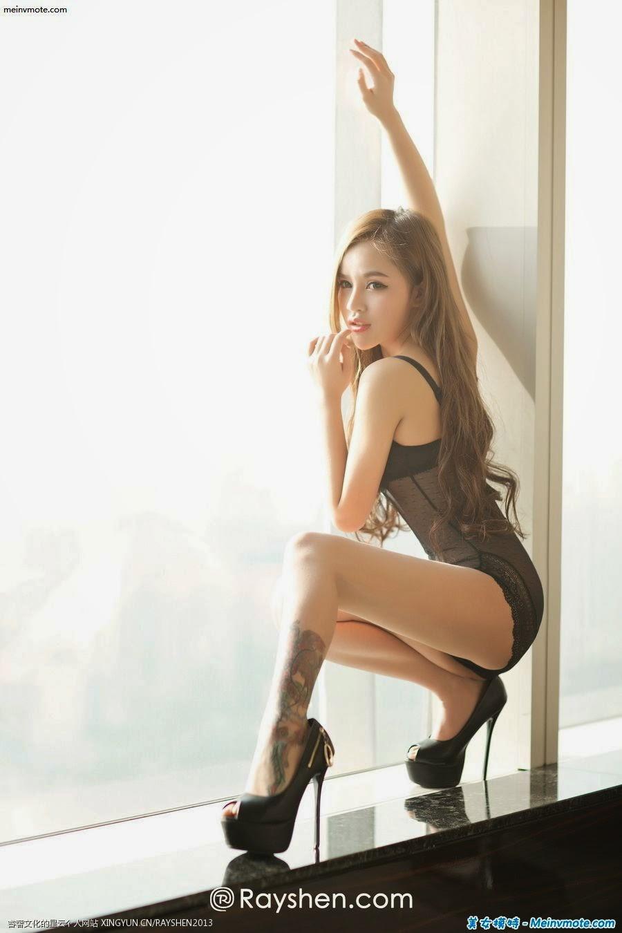 Yuan's stunning beauty of summer hot body