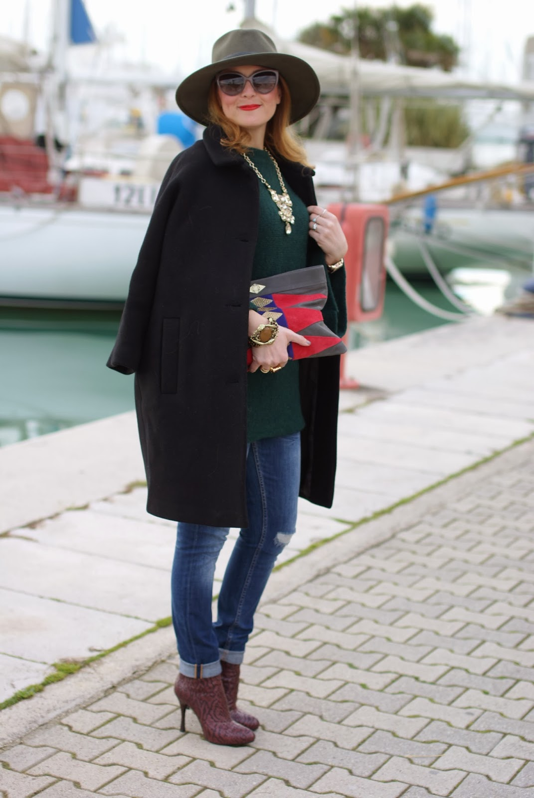 Ecua-Andino australian hat, ethnic chic look, Kiomi black coat, Mohekann Navajo clutch, Fashion and Cookies, fashion blogger