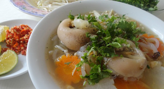 Pork Leg Rice Spaghetti Soup (Banh Canh Gio Heo) 5