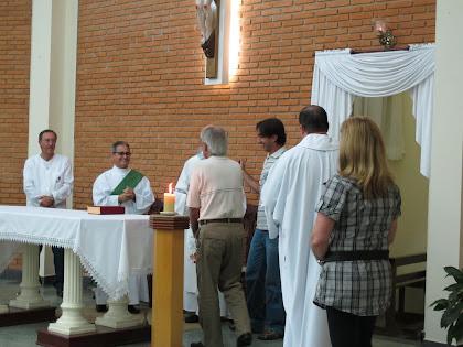 Padres e diácono recebem homenagem