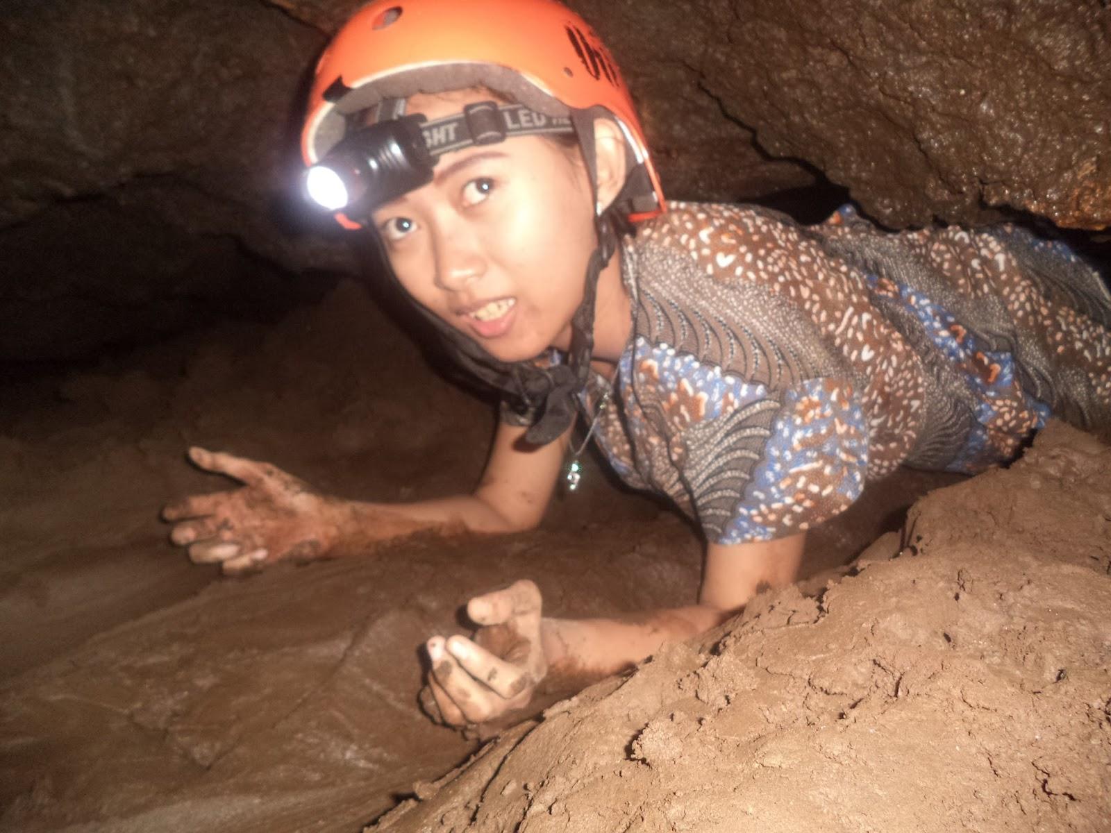 Caving Gua Lorong Kereta