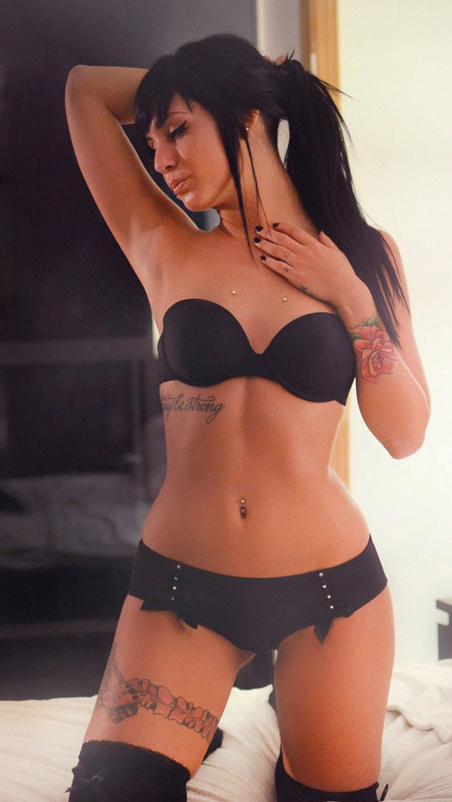 Sexy Brunette iPhone 5 Wallpaper