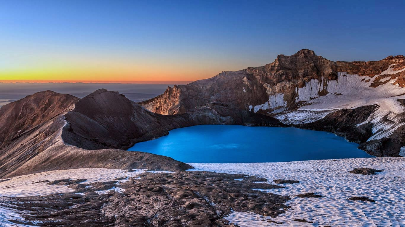 Mount Ruapehu's crater lake in New Zealand (© xflo:w/500px) 297