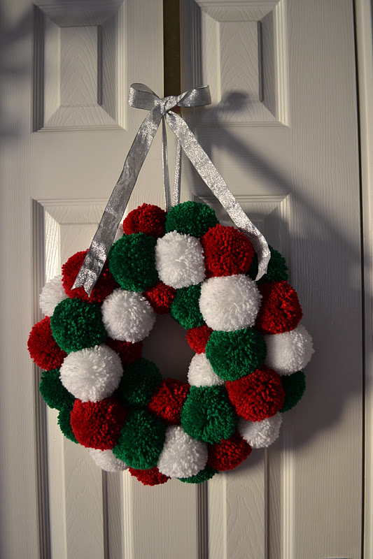 Christmas Crafts Made With Pompoms