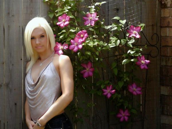 Jana Weckerly hot photos 6