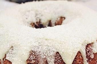 Vanilyalı Hindistan Cevizli Kremalı Kek Tarifi