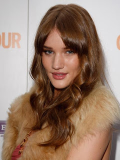 Rosie Alice Huntington Whiteley Waves andBlunt Bangs Hairstyle