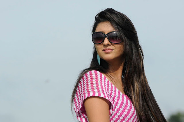 parents heroine ruchika babbar glamour  images