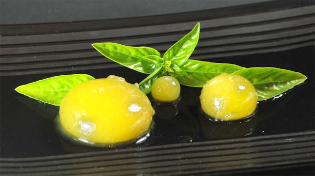 Σφαιρικό ραβιόλι μάνγκο