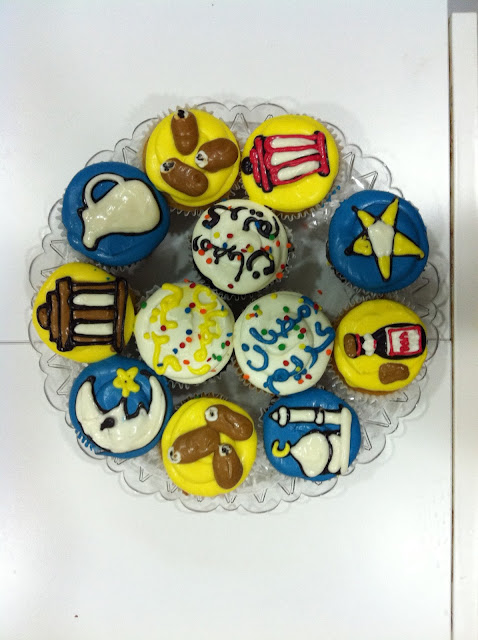 What are some creative ideas for decorating cupcakes?