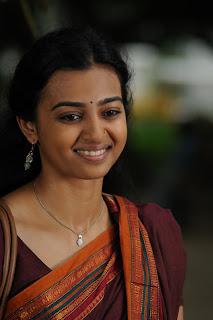 Radhika Apte in Cotton Saree Beautiful Homely babe