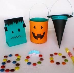 http://turopamolonadiy.blogspot.com.es/2014/10/diy-bolsas-para-chuches-halloween.html#more