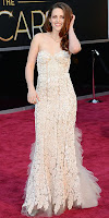 Кристен Стюарт в дантелена рокля с волани на Оскари 2013