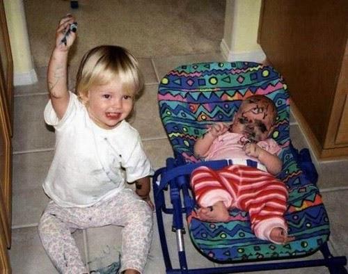 foto bayi lucu, gambar bayi keren,bayi bikin ngakak, bayi  telanjang, bayi menangis, bayi berantem