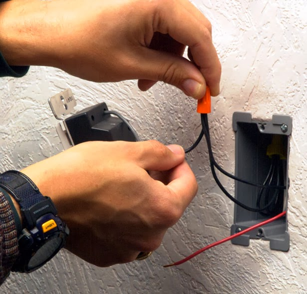 Colocación conector eléctrico empalme