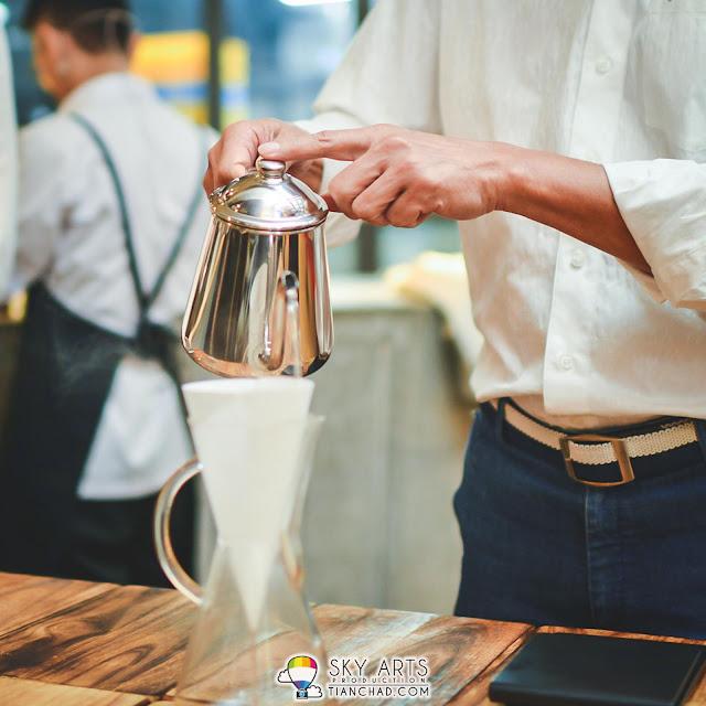 Coffee Brewing @ Le Pont Boulangerie et Café