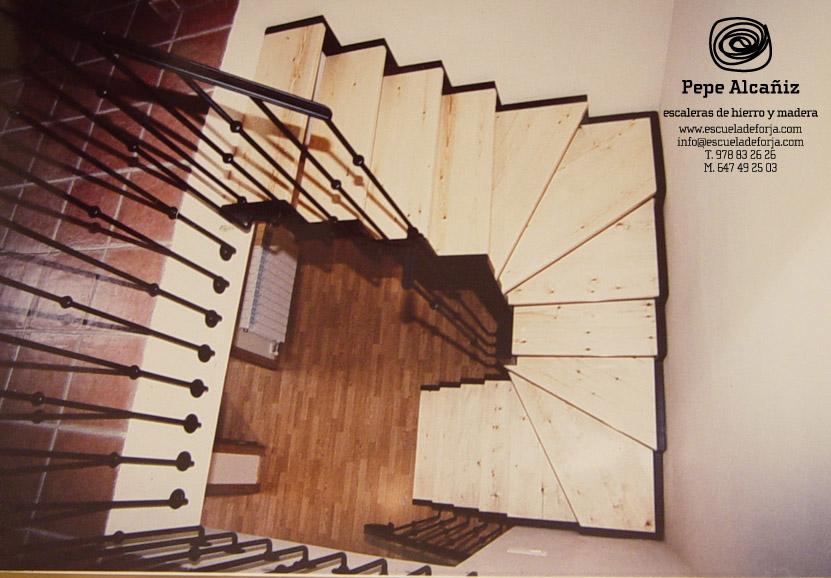 escaleras de interior a medida escaleras de interiores escalera interior de caracol escaleras de interior para espacios reducidos a medida por encargo