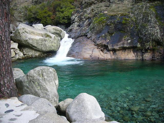 Piscinas naturales en la sierra de madrid colla rubio for Buitrago de lozoya piscinas naturales