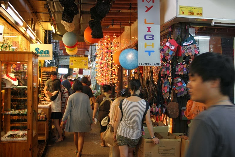 shopping in thailand, thailand travel, asia destinations, tips and tricks travel