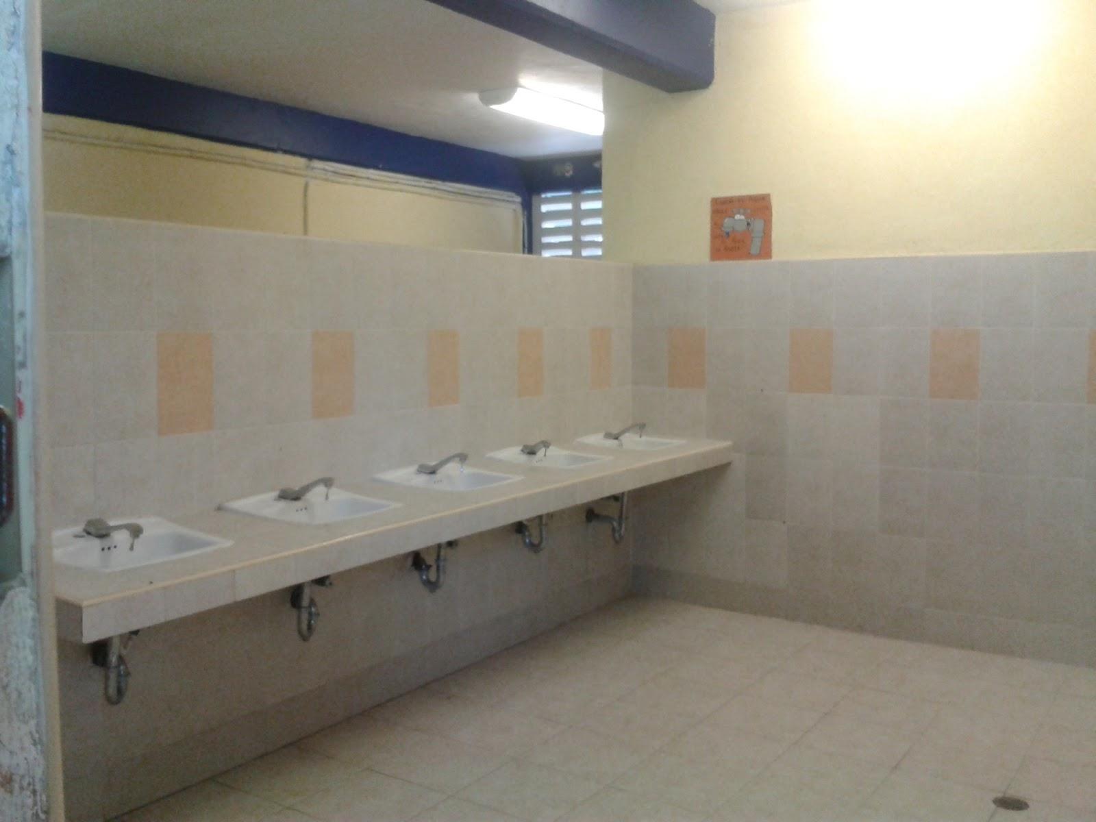 Imagenes De Los Baños Sucios:Los baños xD