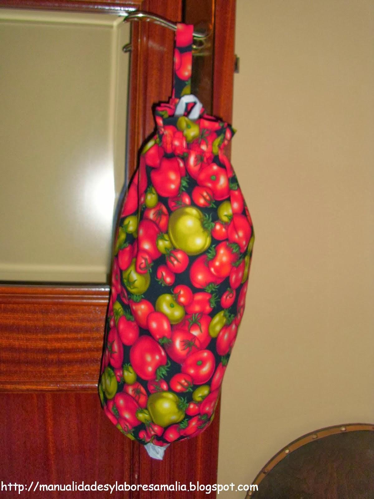 Manualidades y labores amalia bolsas para el pan para - Guardar bolsas plastico ...