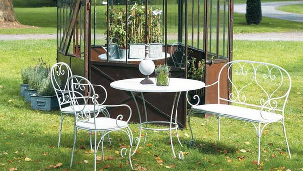 Opte Por Mobiliário Feito Em Linhas Modernas. Para Trazer Um Toque De ~ Mobiliario De Jardim Em Ferro
