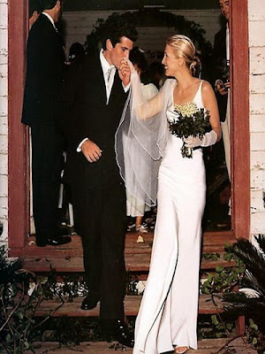Humor feast wedding dresses of the famous for Carolyn bessette wedding dress