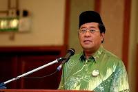 http://2.bp.blogspot.com/-rFeylcyO7LI/Tbgb2GE99bI/AAAAAAAAD6I/YQbuNH-X4HM/s200/Tan_Sri_Dato%2527_Abdul_Khalid_Ibrahim_6.jpg
