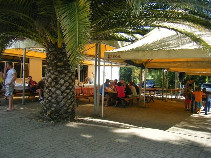 Esplanada do Bar da praia fluvial