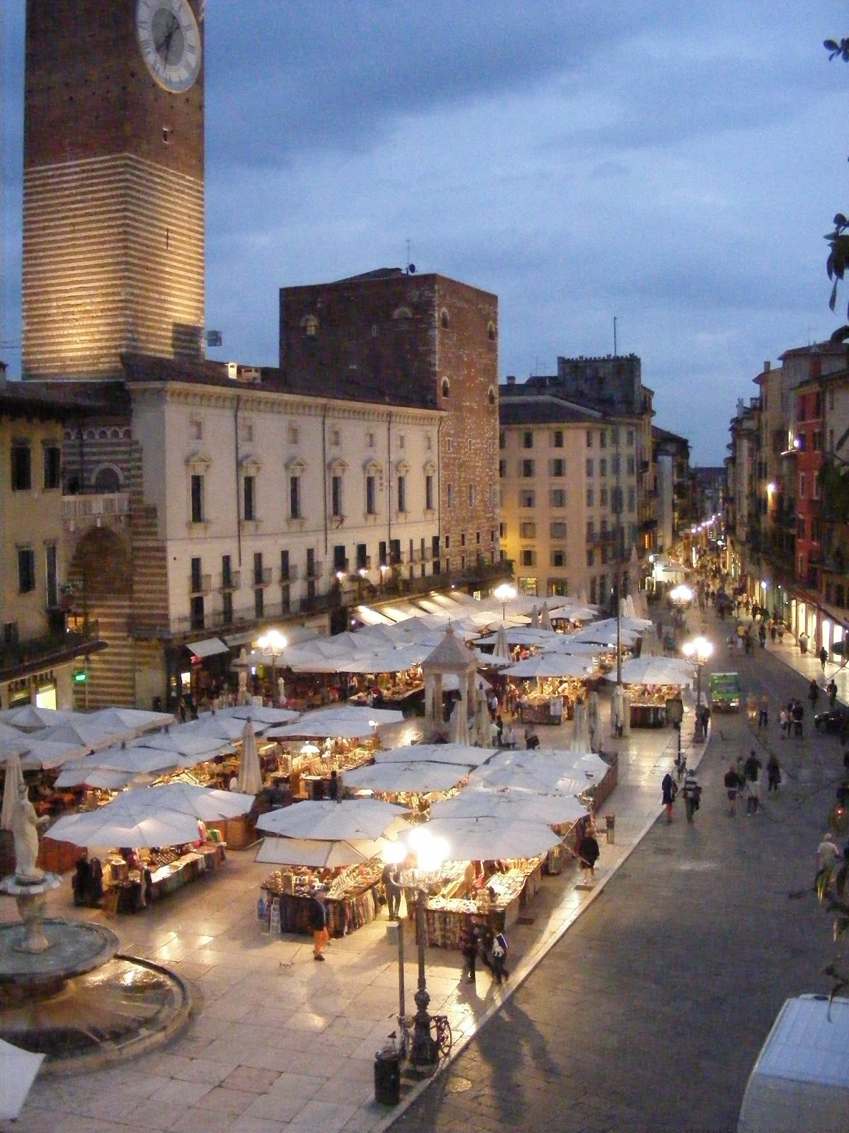 Condos After Dark City Centre Verona >> Verona The Family Gathers Italy To The Alps In Ww11