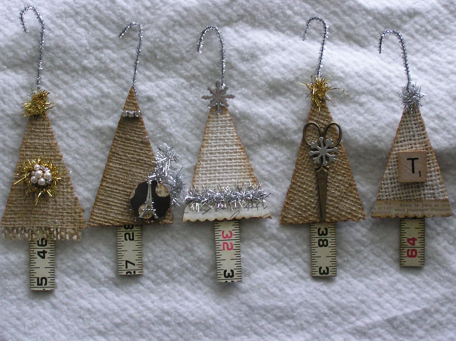 Honey girl studio december 2011 for Burlap christmas decorations to make