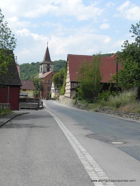 A Estrada Romântica passando por dentro de lindas cidadezinhas