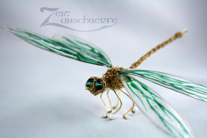 grüne Draht-Libelle by Zeitunschaerfe