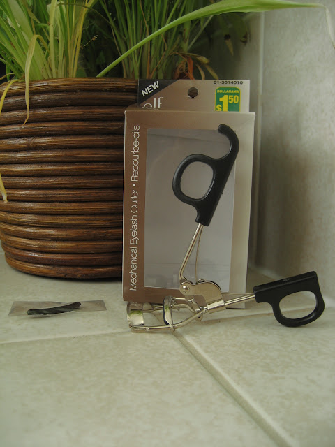 elf Mechanical eyelash curler