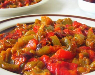 Restaurant la ruche la rochelle 17 recette salade marocaine aux poivrons et tomates - Salade de poivron grille ...