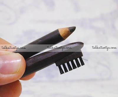 sikat alis pada tutup Just Miss Eyebrow Pencil 209M yang berkualitas