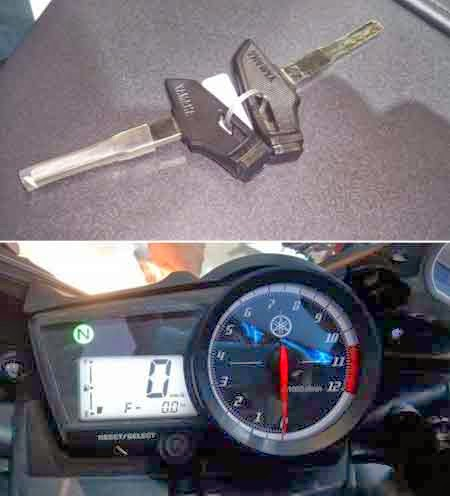 Kunci Kontak & Speedometer R15