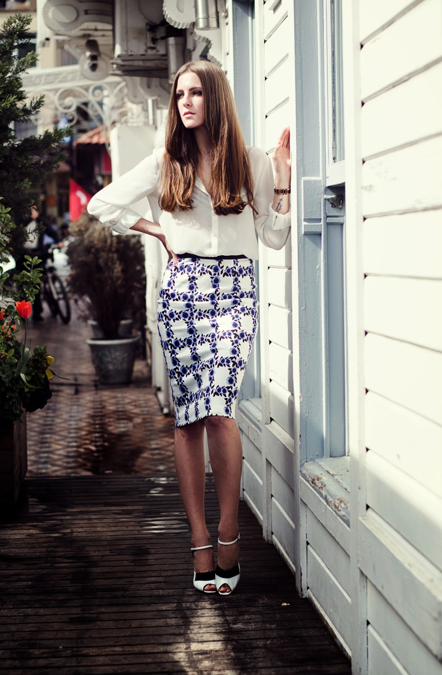 gasmy shop , fendi heels , istanbul streetstyle, russian fashion blogger , longhair, classy outfit, printed skirt outfit , mango skirt outfit