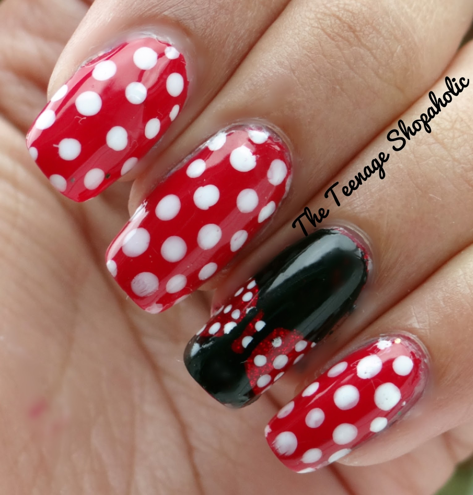 Minnie Mouse nail art tutorial YouTube - Minnie Mouse Nail Designs