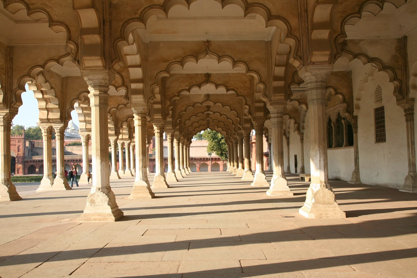Red fort agra wallpapers tourist places in india for Diwan models india